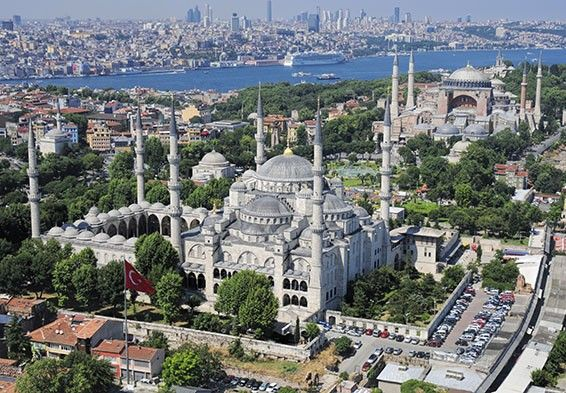 http://www.istanbultravel.net/istanbul-travel/istanbul-classics-half-day-walking-tour.html