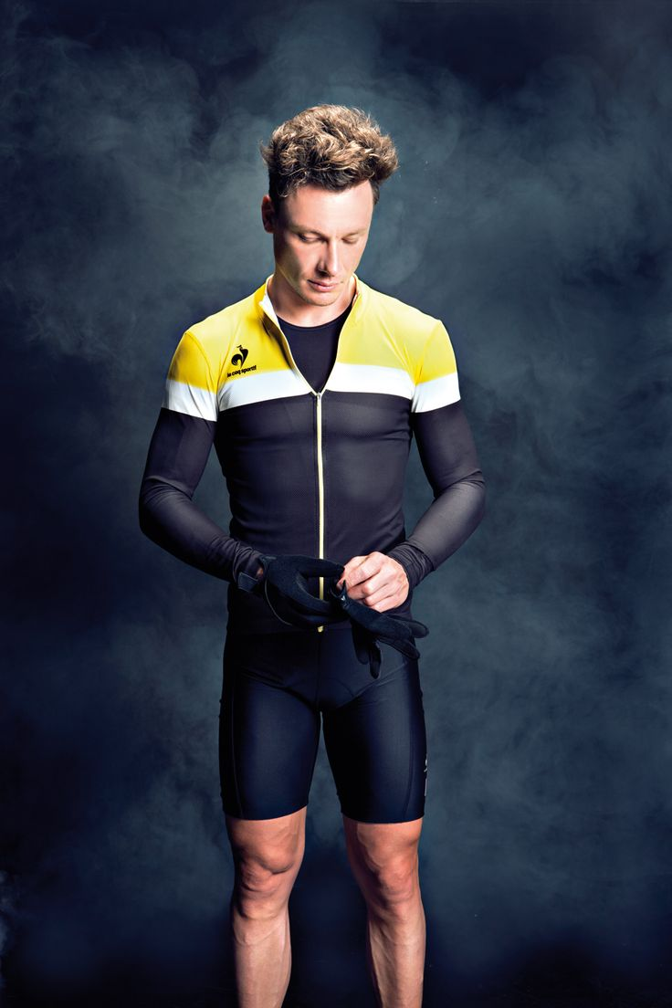 Following its grand return to the Tour de France in 2012, le coq sportif presents its first range of cycling performance. Le coq sportif offers amateurs a range of jerseys with the same technical specifications as those of the Tour de France leaders and main stage races. These jerseys have been tested throughout the year and praised by top international cyclists. Available on lecoqsportif.com