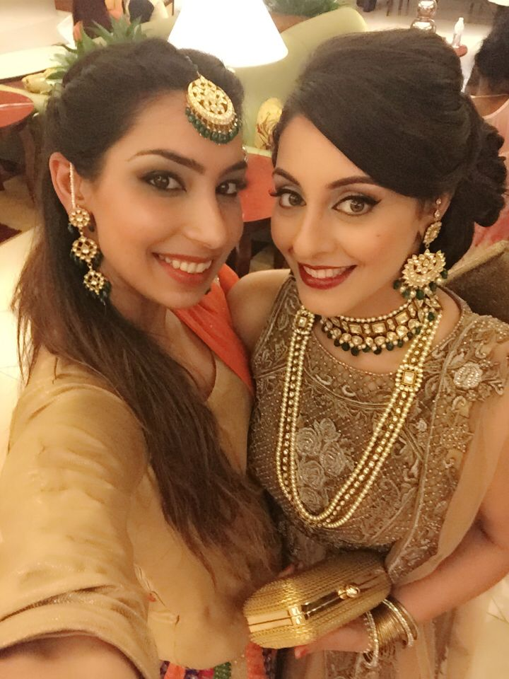 With the bride #tikkas #punjabiweddings #sangeet #lehgas #emeralds