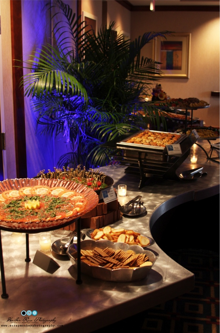 25 best ideas about buffet displays on pinterest food for Ensemble table buffet