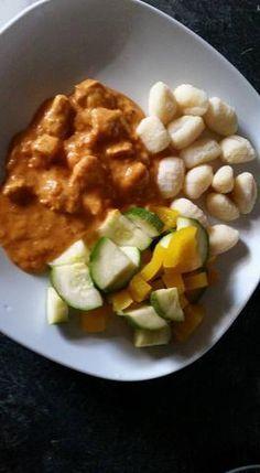 Hähnchengulasch mit Gemüse und Gnocchis - Supercook