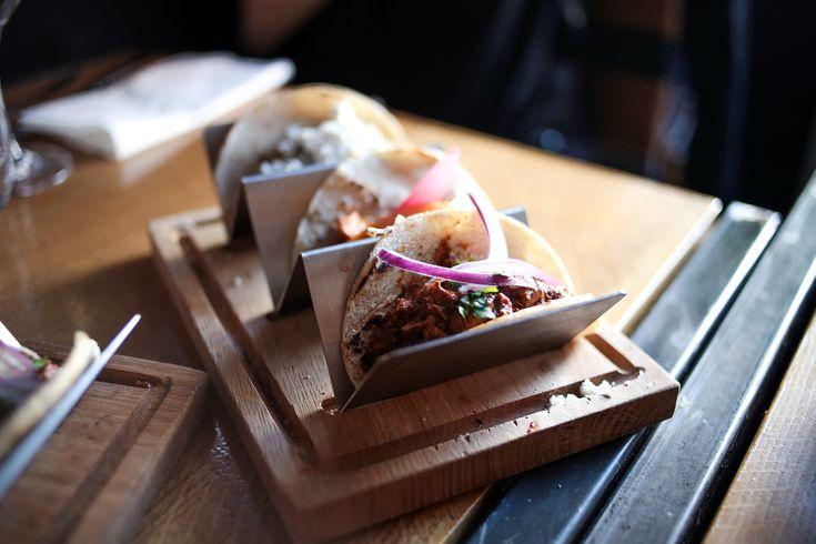 Découvrez notre avis sur Piquin, le nouveau restaurant mexicain à Lyon. Tacos, nachos, guacamole et autres spécialités mexicaines sont au rendez-vous !