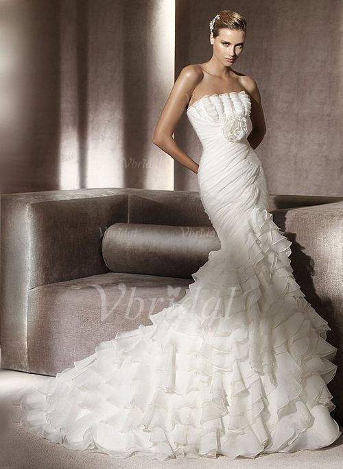 74 best Brautkleid images on Pinterest | Wedding dressses, Dream ...