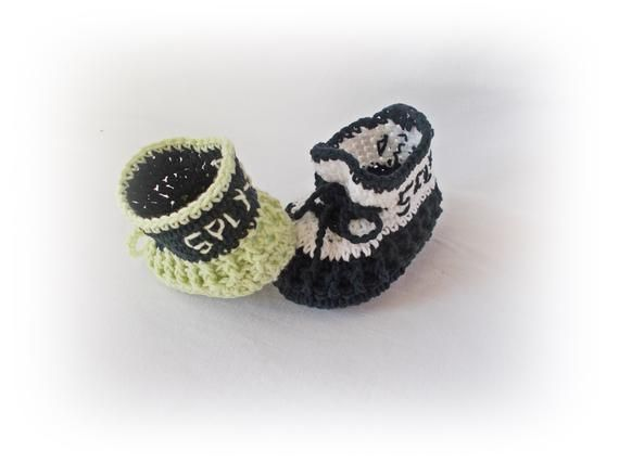 0bef6800eadd0 Yeezy 350 Baby Crochet shoes boots Baby sneakers Crochet baby shoes ...