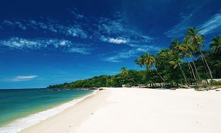 Tokeh Beach. Freetown, Sierra Leone