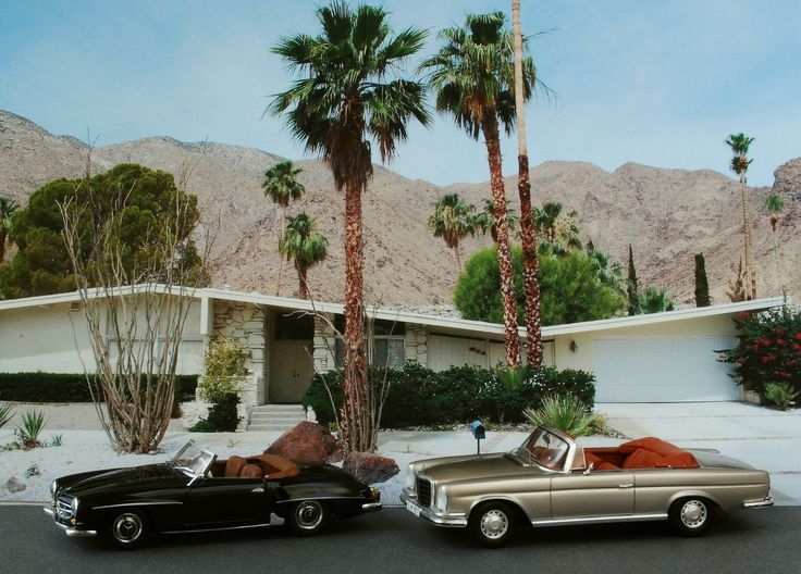 Butterfly home palm springs mid century modern for New mid century modern homes palm springs