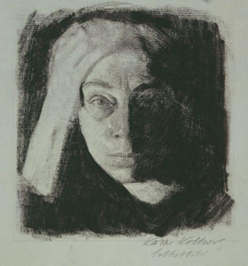 Käthe Kollwitz (Ger. 1867-1945) Selbstbildnis en face (1910) Kohle auf graublauem Ingres-Papier, Käthe Kollwitz Museum Köln