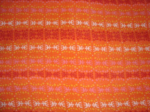 Retro Danish bed linen from the 70s. #trendyenser #retro #danish #bed #linen #1970 #70s #dansk #pudebetræk #sengetøj #sengelinned #betræk From www.TRENDYenser.com SOLGT/SOLD