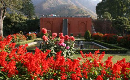 kashmir holiday packages :Get superior and first-rate Kashmir holiday packages without the worries of expenses because we offer outstanding facilities at affordable price at www.kashmir.co.