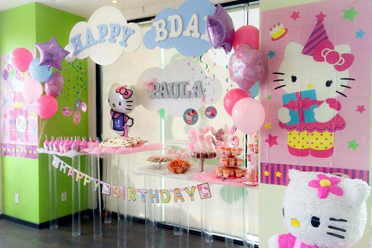 Hello Kitty themed party decoration Decoración de Kitty