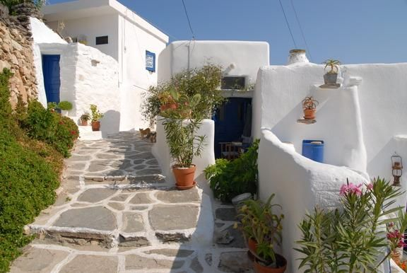 Travelpass.gr - Σίκινος: Μια αυθεντική αιγαιοπελαγίτισσα
