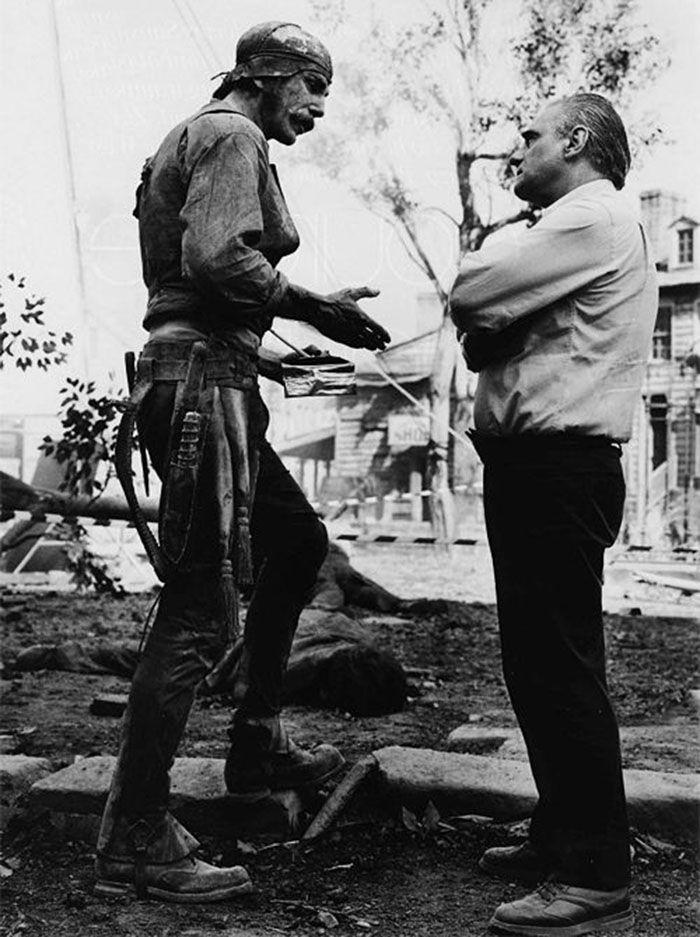 """Daniel Day-Lewis y Martin Scorsese durante el rodaje de""""Gangs of New York"""", 2002"""
