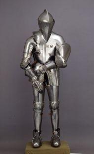 Armatura medievale custodita nel museo civico di Bologna