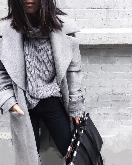 Different shades of grey combined with black jeans and black leather bag .. perfect for winter days!