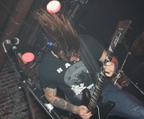 KEN Mode / Full of Hell - Lucky Bar, Victoria BC, November 12 • Concert Reviews • exclaim.ca