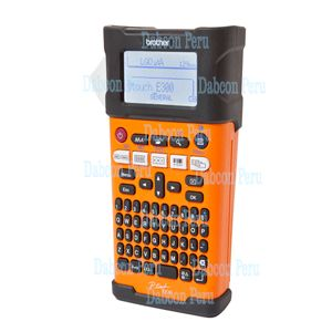 Codigo : PT-E300VP Rotuladora portatil industrial de alta velocidad, ideal para negocio u oficina. Con bateria recargable (incluida) y adaptador a corriente de 220V (incluido). Uso opcional con pilas AA (no incluidas). Genera etiquetas para sus carpetas, sobres, correspondencia. Pantalla LCD de 15 caracteres, Panel de control de facil uso, utiliza cintas TZ de hasta 18mm, impresion de 20mm por segundo