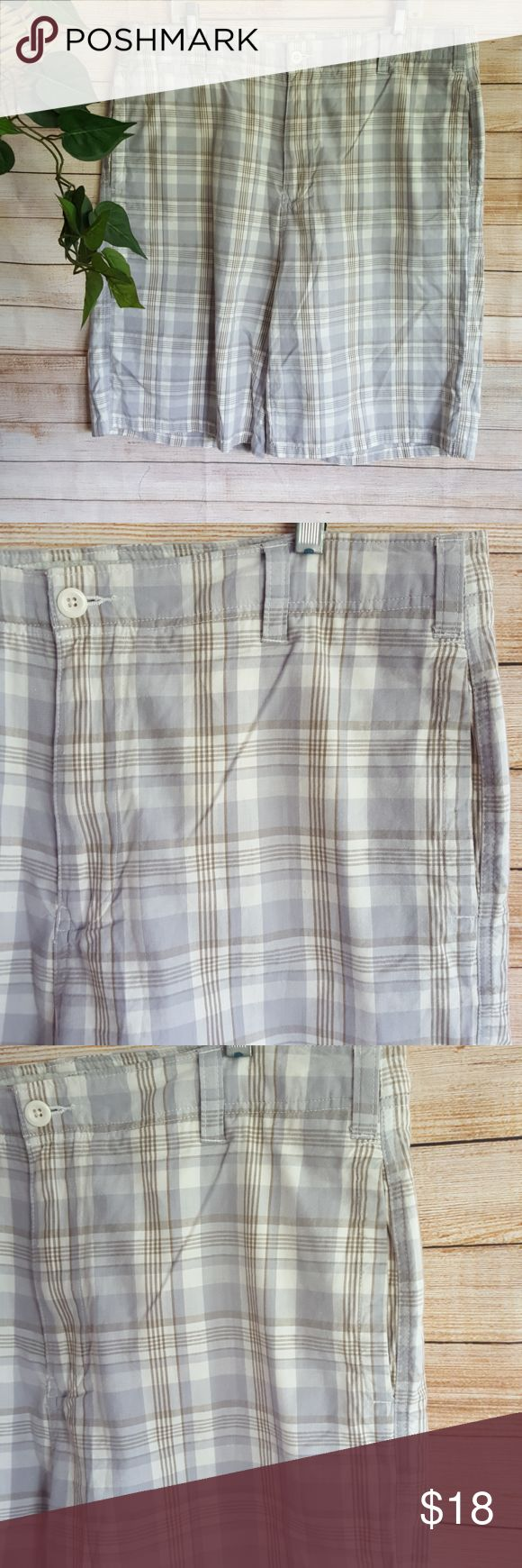 Fission Mens Plaid Casual Shorts Bermuda Golf 38 Fission men's plaid Bermuda shorts.  Walking shorts. Casual shorts.  100% cotton.  Size 38 waist.  Waist 20 in. Inseam 11 inches. Rise 14.5 in.  Gently used condition with no flaws. Please see photos for details. Fission Shorts