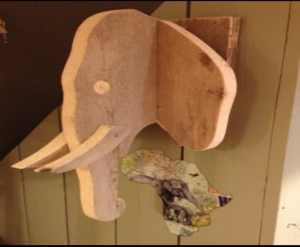 Olifant van steigerhout