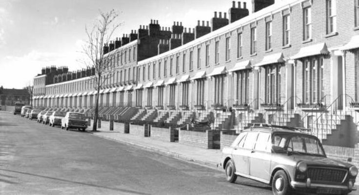 Peckham. Clifton Crescent c.1979