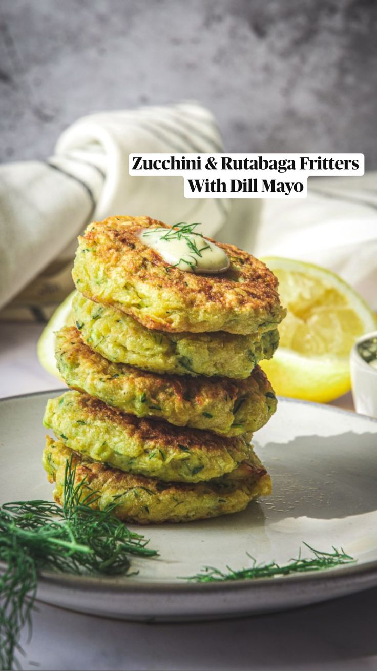 Zuchinni Recipes, Raw Food Recipes, Low Carb Recipes, Vegetarian Recipes, Cooking Recipes, Healthy Recipes, Baked Zucchini Fritters, Veggie Fritters, Vegan Fritters Recipe