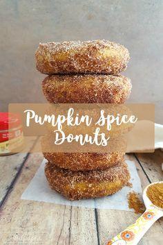 Light and fluffy pumpkin spice donuts recipe that's #gluten #pumpkinrecipes