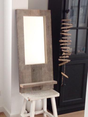 Spiegel van steigerhout met plankje made by echtvanhout hout pinterest met and van for Spiegel wc deco