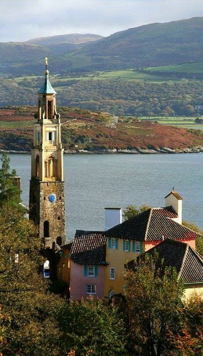 Portmeirion Village in Gwynedd, Wales (by Capt' Gorgeous on Flickr)