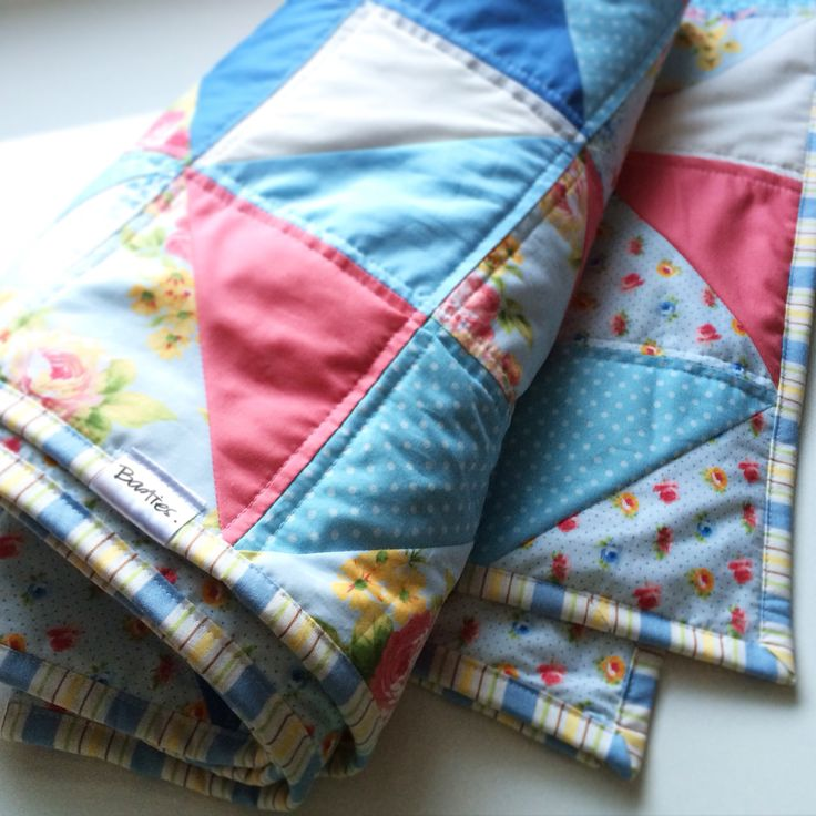 Basties quilt - courtepointe handmade with looooove :)