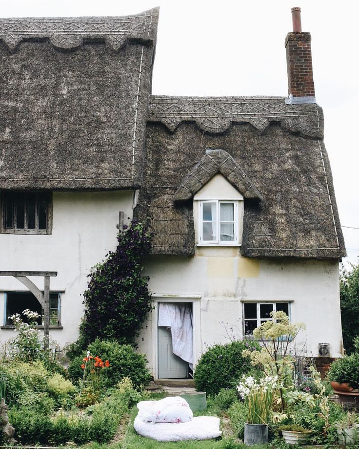 English Cottage Village: Best 25+ Thatched Roof Ideas On Pinterest