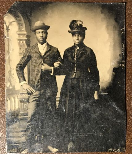ATTRACTIVE-YOUNG-AFRICAN-AMERICAN-COUPLE-WEARING-HATS-BLACK-TINTYPE-PHOTO-V4