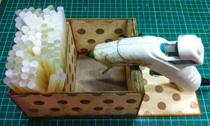 Jens Joint: Hot Glue Gun Stand tutorial