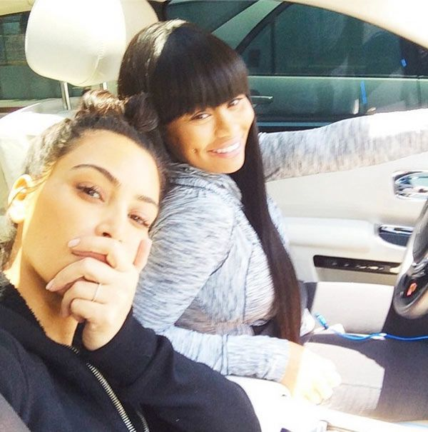 Kim Kardashian Shows Off Flawless Face In No Makeup Pic