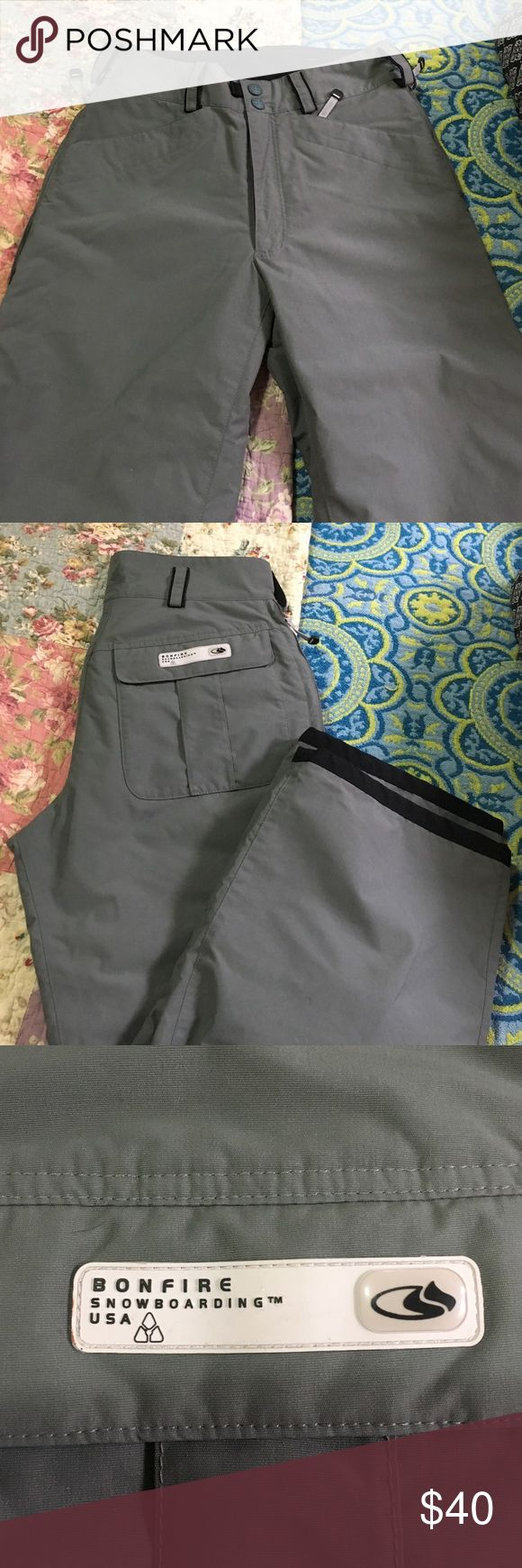 Bonfire Snowboarding pants. Size Medium. Bonfire snowboarding pants. Great condition. Size Medium. Grey and black. Good quality. Pants