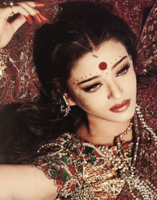 She was so perfect as Paro! -World of Aish