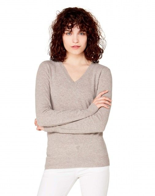 Shop V-neck sweater Brown for V-Neck at the official United Colors of Benetton online shop.