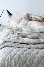 Ellos Home Sengetæppe Elmira i chambray af hør 260x260 cm Mørkegrå, Denimblå, Mintgrøn, Rosa, Lærredsbeige - Dobbeltseng | Ellos Mobile