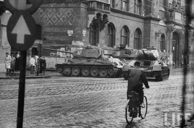 Soviet T-34-85 in Budapest, Hungarian Revolution of 1956