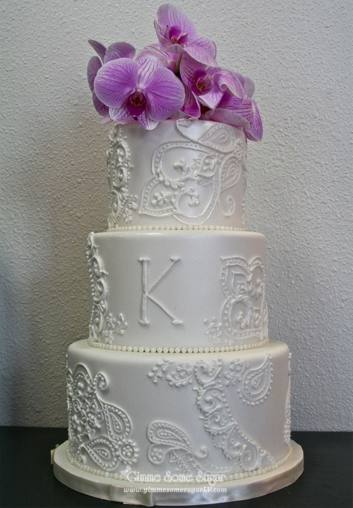 3 tier white henna-inspired paisley wedding cake design  www.gimmesomesugarlv.com  #coutureweddingcakes #paisleycakes #customcakes