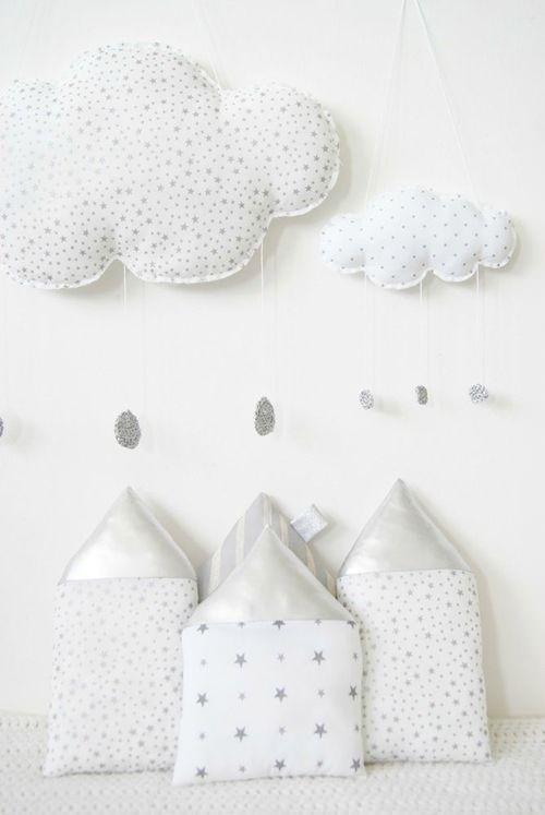 Decora la Habitación del Bebé con Nubes de Plata.  @AJ Lim We should Add rain drops to our cloud :)