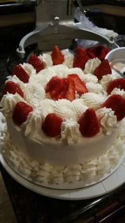 98 best images about Cake Decorating and Whip Cream on ...