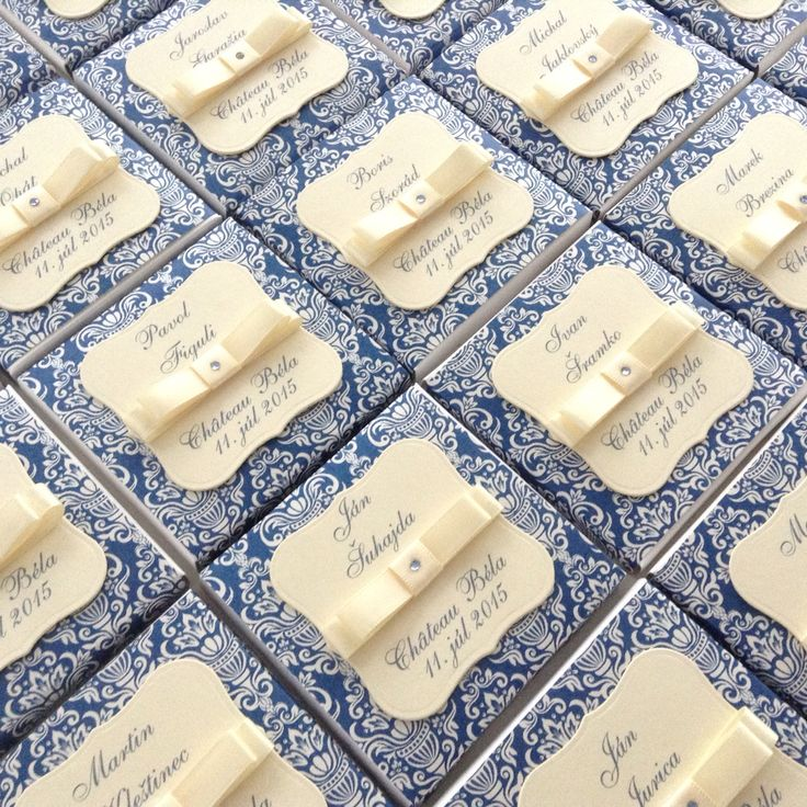 Chocolate favour gift with name cards