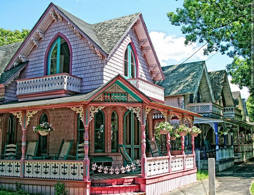 12 best images about martha 39 s vineyard painted ladies on for Martha s vineyard gingerbread cottages