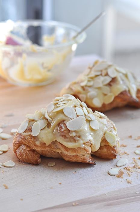 Almond Croissants: Sweet, Almonds, Bread, Food, Croissant Recipe, Dessert