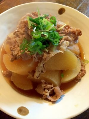 楽天が運営する楽天レシピ。ユーザーさんが投稿した「豚大根」のレシピページです。豚細切れ肉と大根1本煮ました。。大根煮。大根,豚細切れ肉,米粒,出汁,醤油、酒、みりん