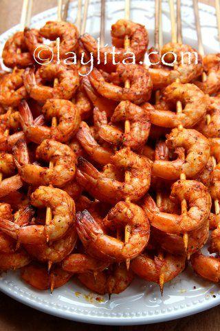 Brochetas o pinchos de camarón / Grilled shrimp skewers