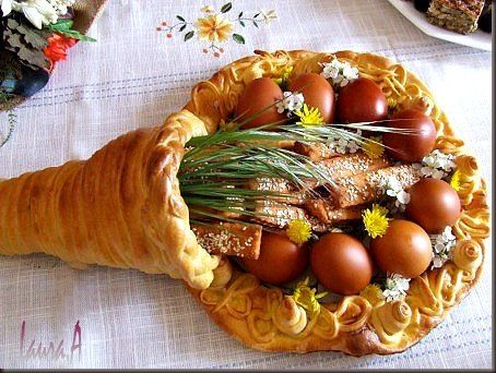 Easter bread basket. would Love to tweak it for thanksgiving! so cool!