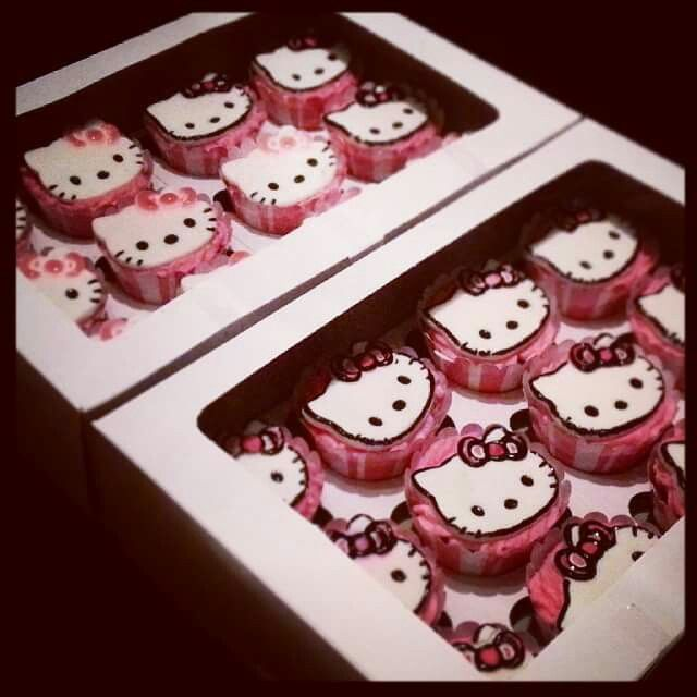 Hello Kitties cupcake toppers and cupcakes made by Cavell Steenkamp