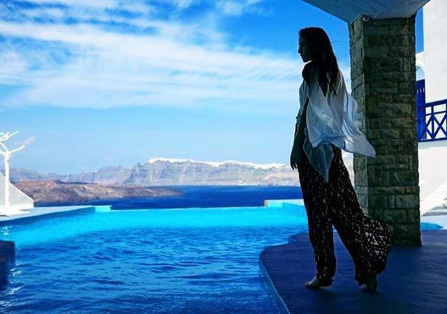 Attending the blue...! #AstarteSUites #Santorini Photo credits: @jollywoman