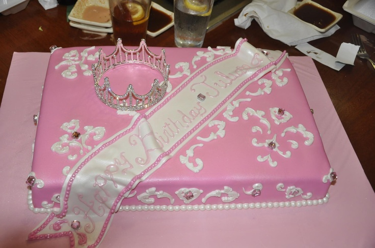 A great princess cake for any age!! Happy 17th Birthday ...