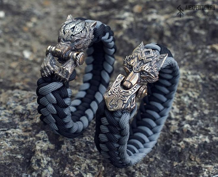 Fire wolf paracord bracelet with exclusive bronze buckle
